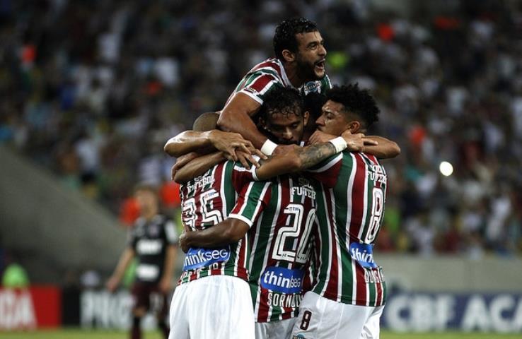 Fluminense bate o São Paulo-SP e sobe na tabela do Brasileirão