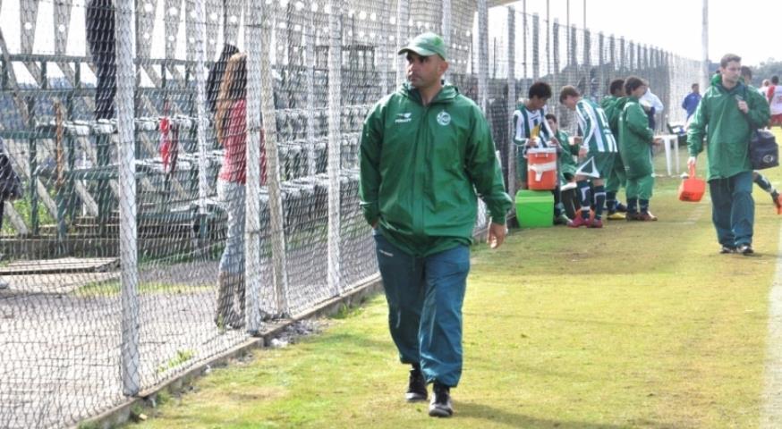 Resende anuncia Carlos Leiria como treinador
