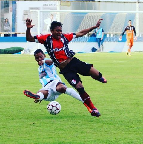 Macaé vence o Joinville e deixa zona do rebaixamento