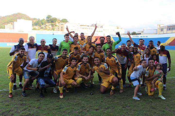 Oito jogadores do Sub-20 são integrados ao Profissional após participação do Madureira no OPG