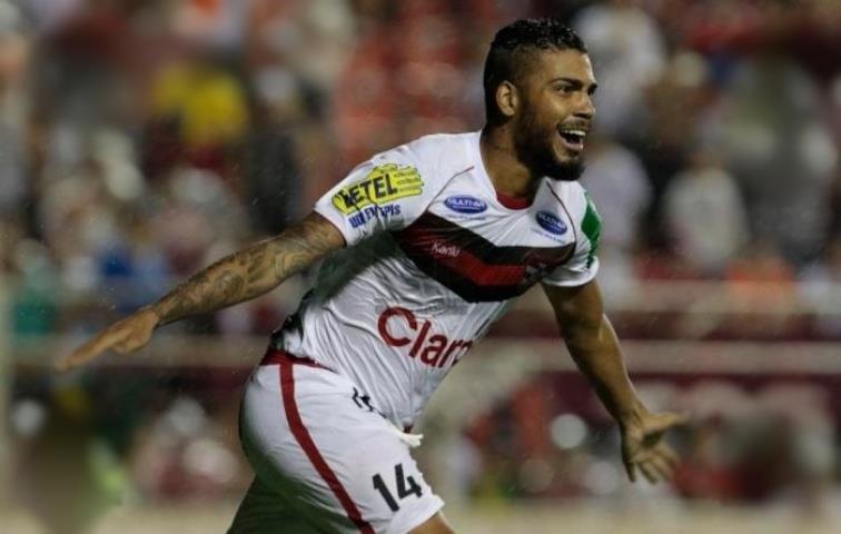 Zagueiro Rodrigo Lobão defenderá o Bangu no Carioca 2019