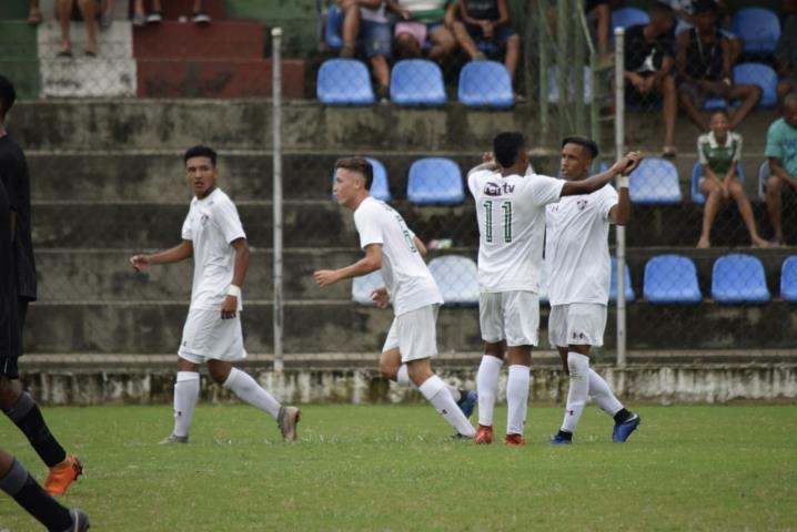 Fluminense vira sobre o Botafogo na rodada do Guilherme Embry