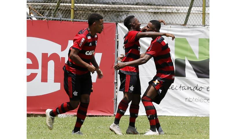 Flamengo sai na frente na final do Torneio OPG