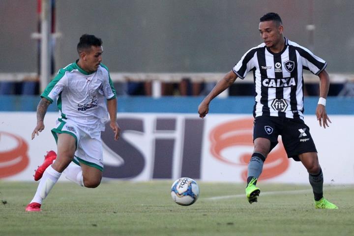 Cabofriense derrota o Botafogo de virada