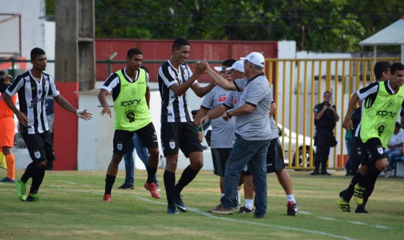 Americano estreia com pé direito na Taça Guanabara