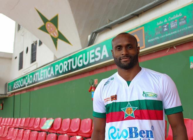 Portuguesa acerta com Vinícius Pacheco