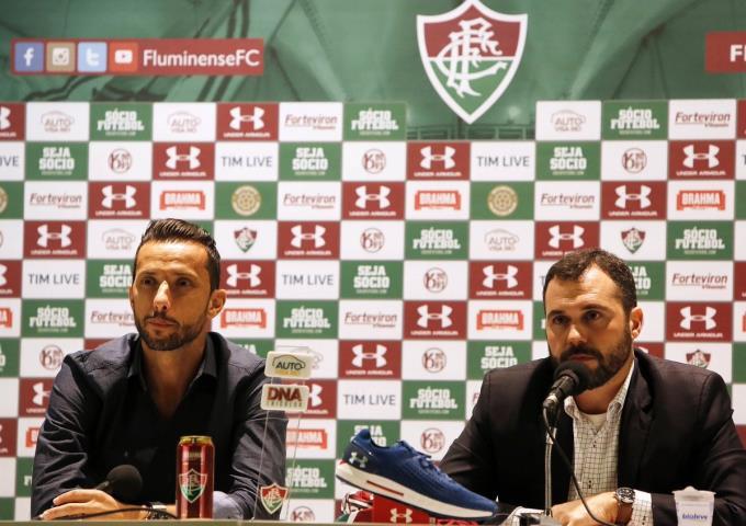 Fluminense apresenta o meia Nenê