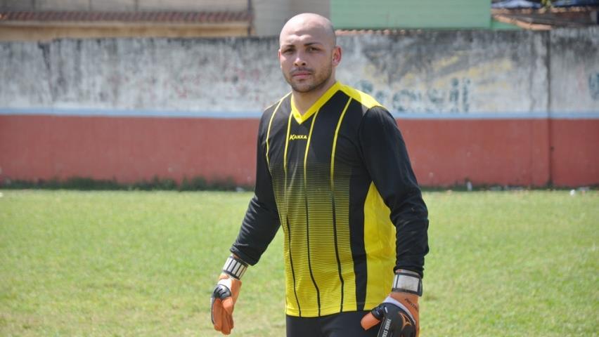 Tomazinho apresenta o goleiro Diego Andrade
