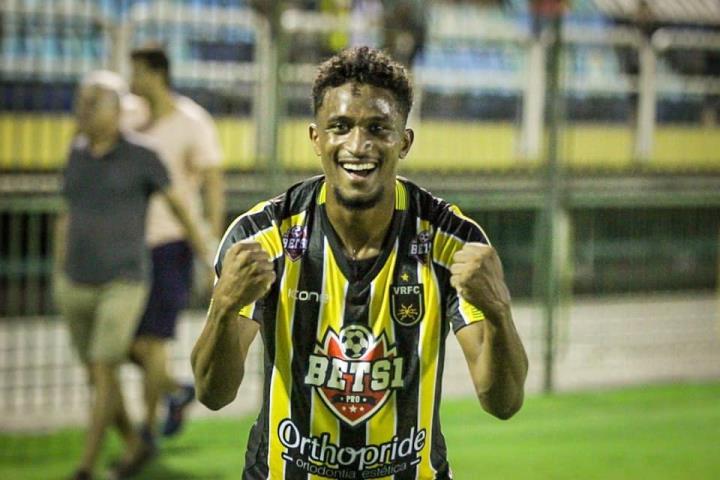Voltaço vence o Botafogo na estreia do Carioca
