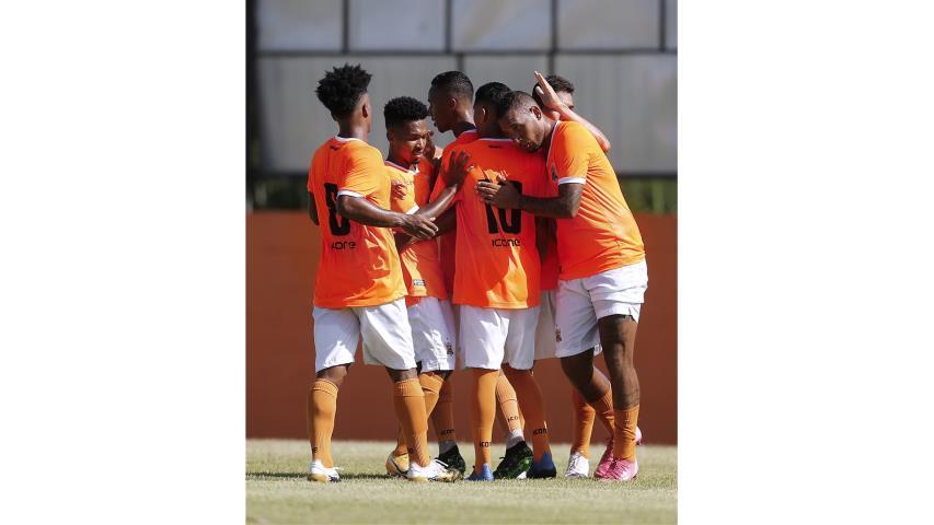 Nova Iguaçu estreia com vitória