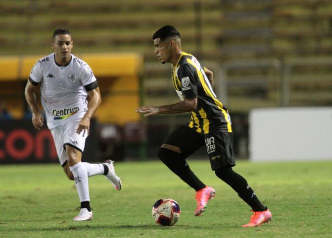 Voltaço arranca empate com o Botafogo e se classifica