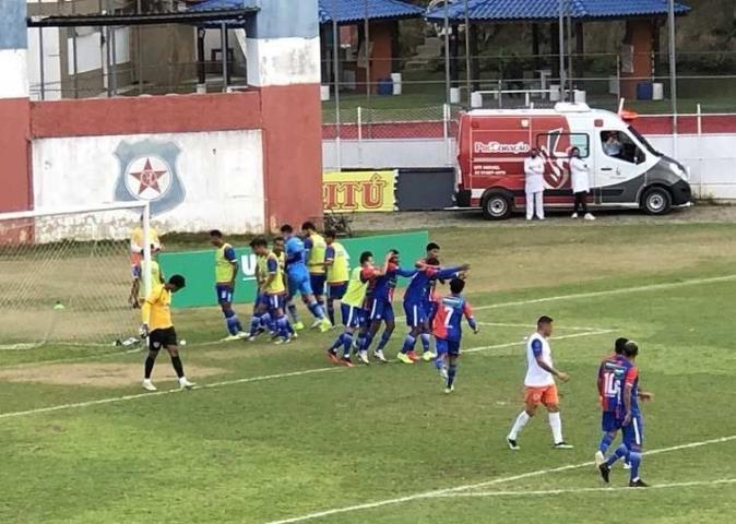 Friburguense é o primeiro classificado para as semifinais da Taça Santos Dumont