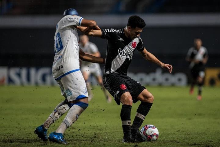 Vasco arranca empate em Alagoas